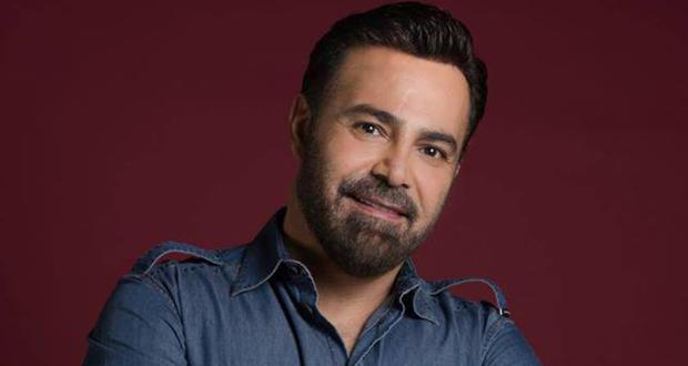 """أجل الفنان اللبناني عاصي الحلاني موعد إطلاق فيديو كليب أغنيته الجديدة """"حب جنون"""" لعدة أيام"""