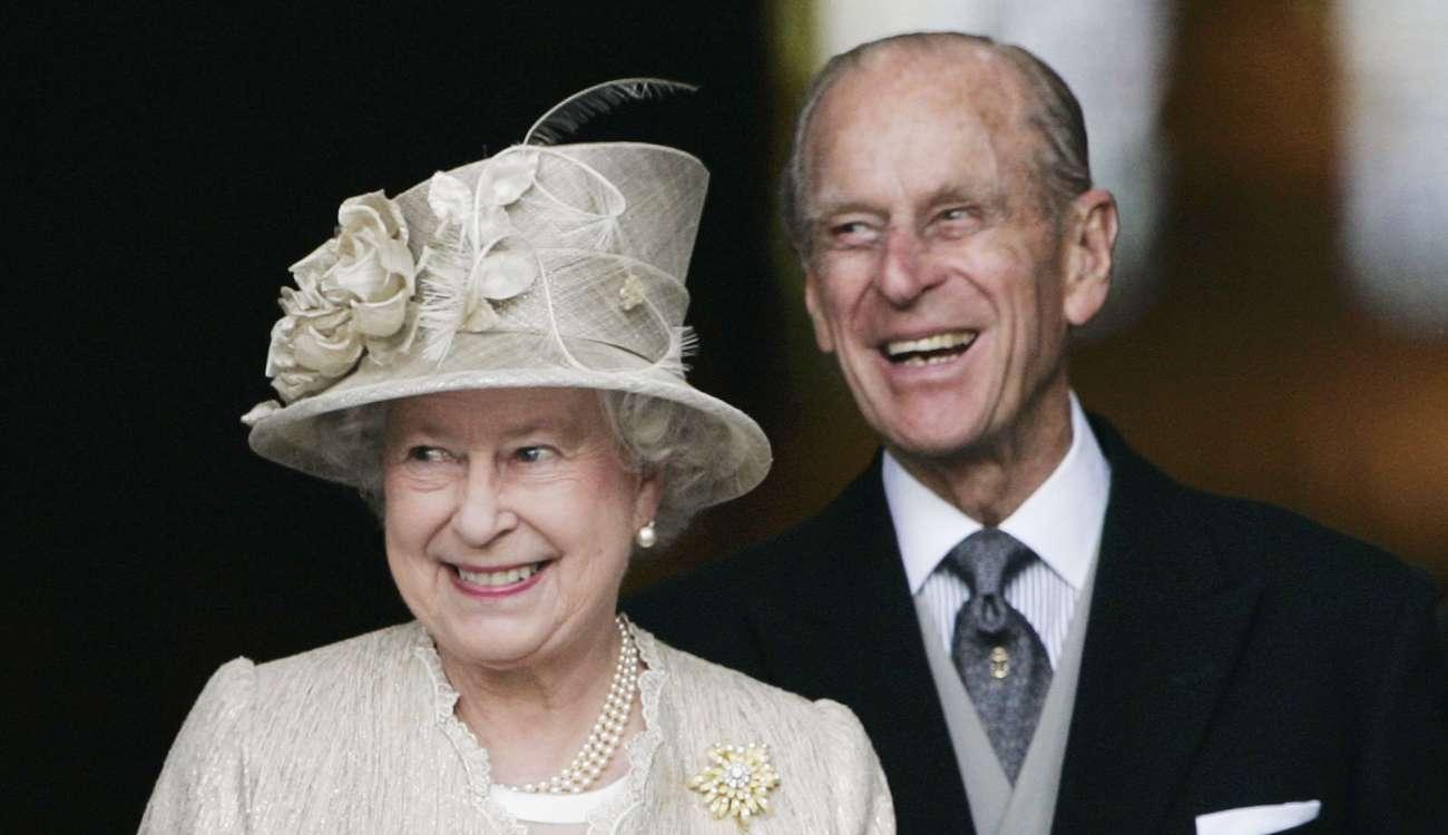 تقدم الأمير فيليب زوج الملكة إليزابيث بإعتذار للسيدة البريطانية التي إصطدم بسيارتها أثناء قيادته بعد حوالي الأسبوع على الحادثة
