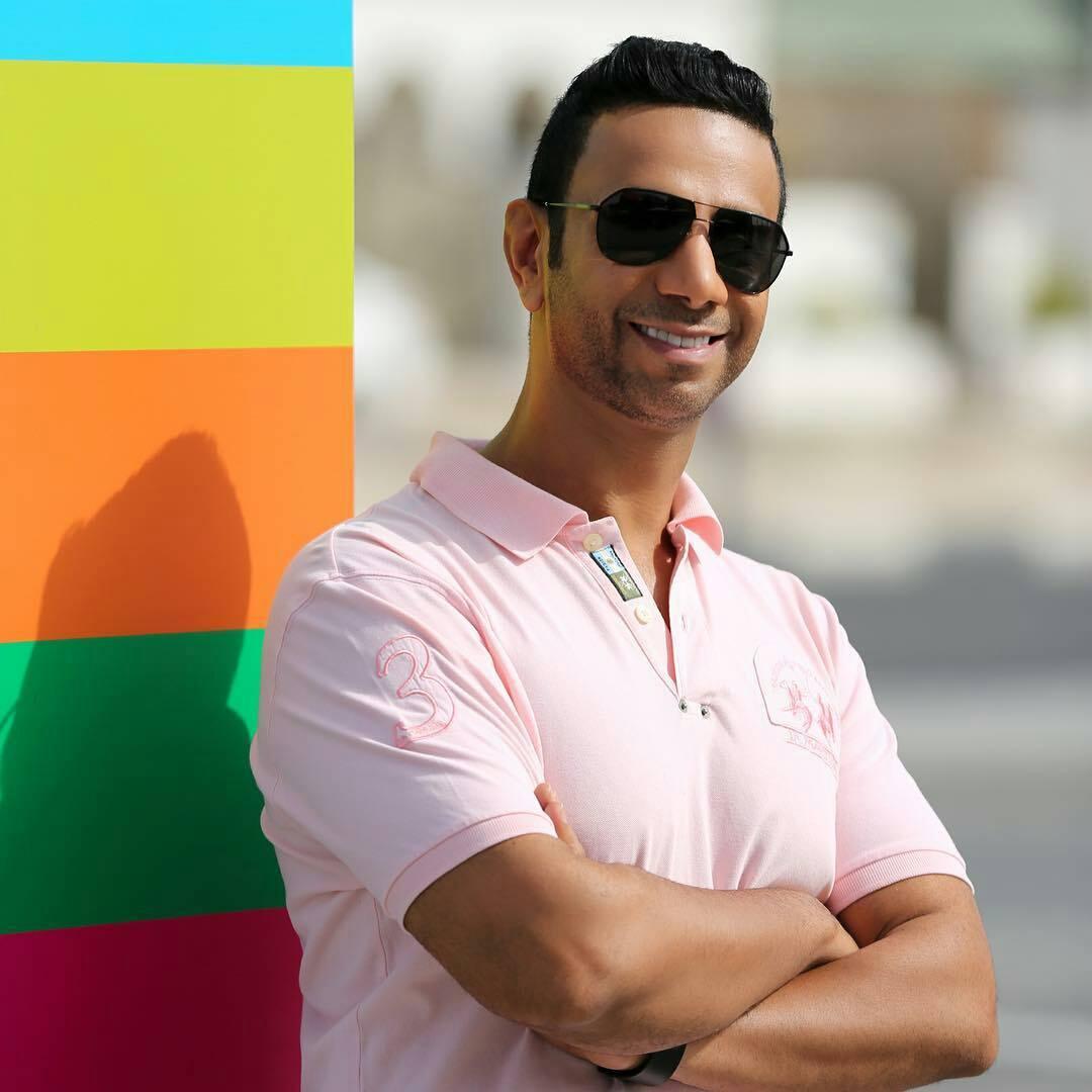 """طرح الفنان الإماراتي فايز السعيد أغنيته الجديدة بعنوان """"إذا تسألني"""" التي تجمعه بالفنان العراقي وليد الجاسم وذلك عبر قناته الرسمية على اليوتوب"""