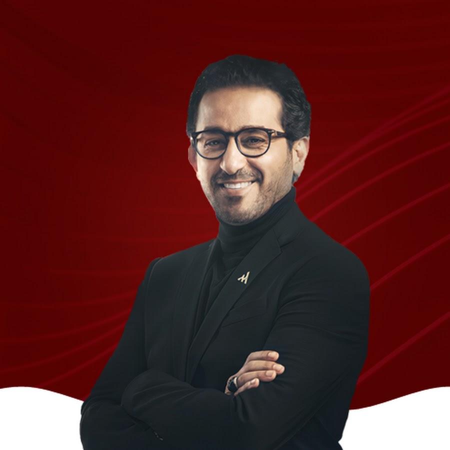يستعد الفنان المصري أحمد حلمي لتجسيد شخصية الأديب الكبير نجيب محفوظ في عمل فني جديد