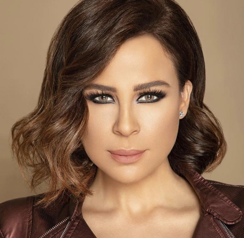 منحت دولة الإمارات العربية المتحدة الإقامة الذهبية للفنانة اللبنانية كارول سماحة لتنضم بذلك إلى قافلة طويلة من الفنانين ضمن خطوة تكريمية للمبدعين في مجالاتهم